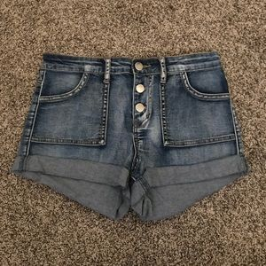 high wasted light wash jean shorts